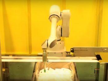 ロボット自動化事例:バラ積み容器の取出しロボットシステム